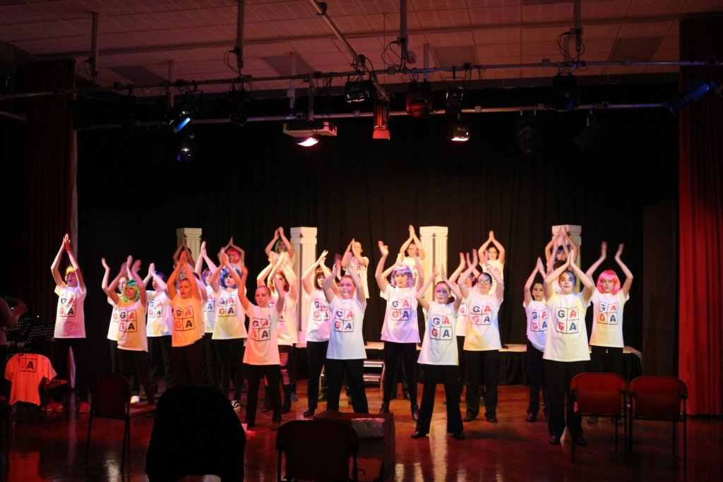 Artsmark Grimsby Academy pupils practicing dance
