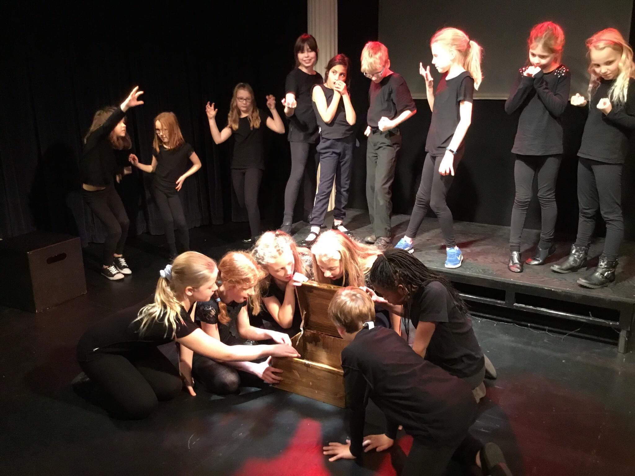 Oatlands Junior School Drama
