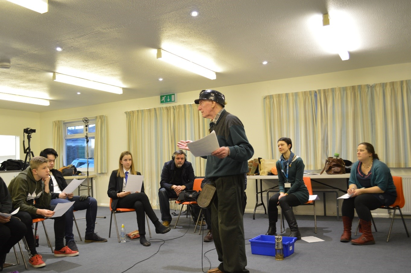 Young people from Breakthru Youth Club at Horbury interview former Bevin Boy, Harry Parkes as part of a National Coal Mining Museum Taster Session