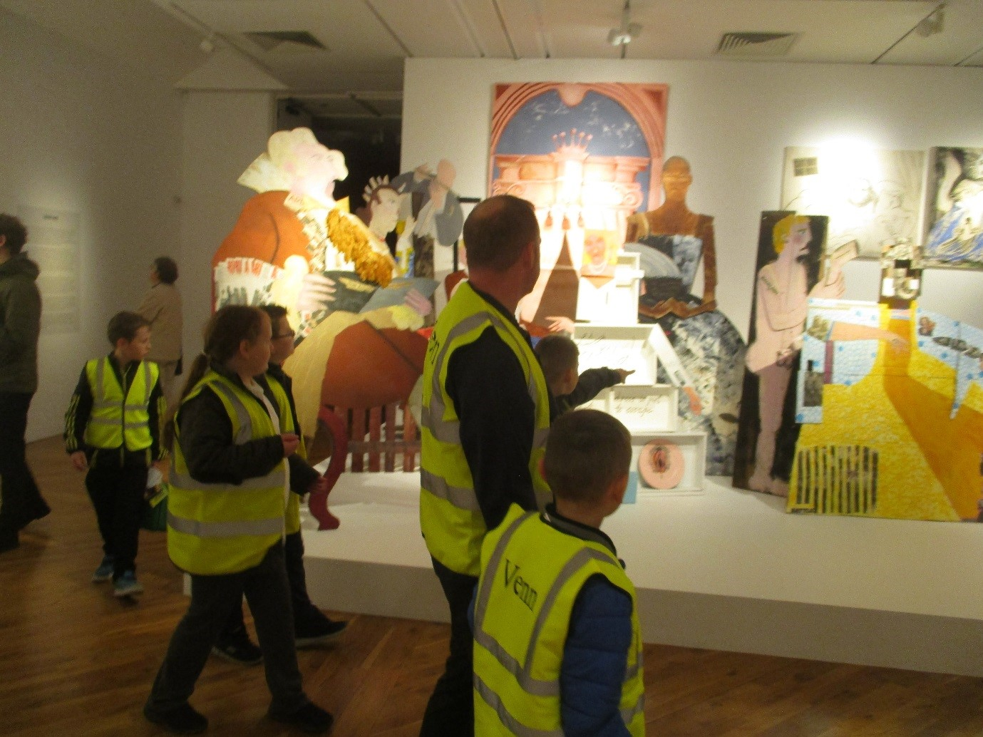 Pupils from Bridgeview Whitehouse on an art gallery trip
